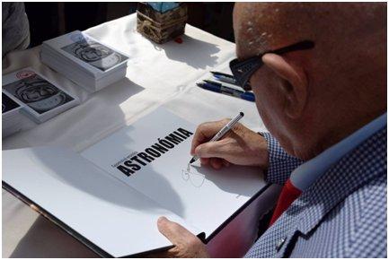 Obr.2: Z verejnej autogramiády