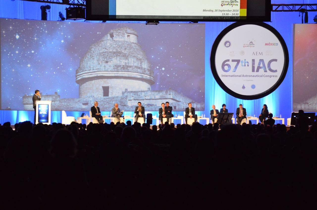 Obr.2: Úvodná ceremónia konferencie IAC 2016. Zdroj: Agencia Espacial Mexicana