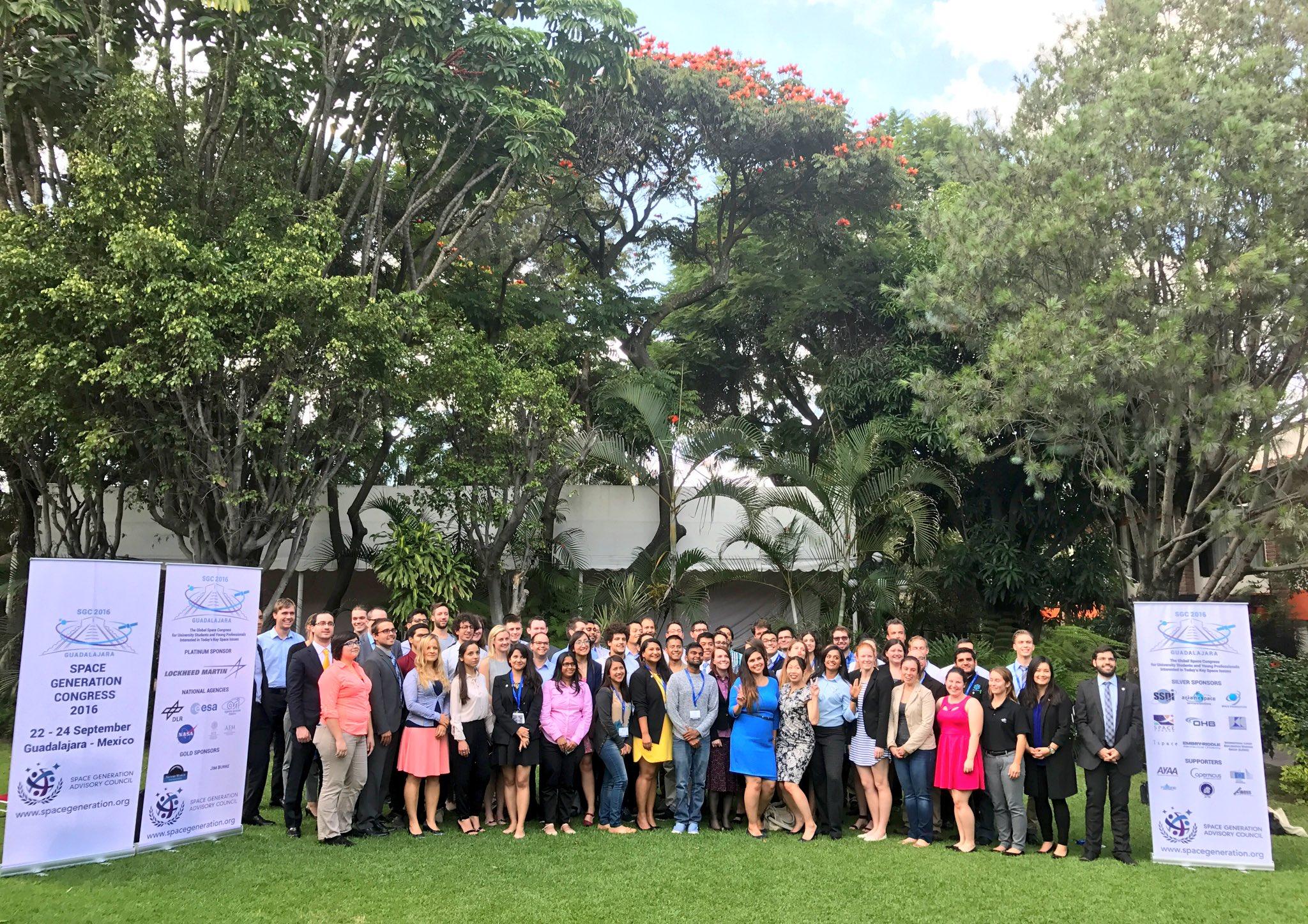 Obr.1: predsedníčka SOSA Dr. Michela Musilová na Space Generation Congress v Mexickej Guadalajare