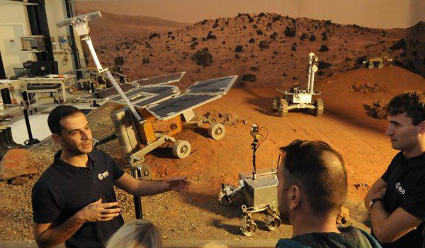 visitors_to_estec_s_planetary_robotics_lab_large